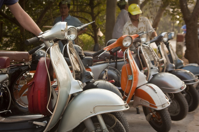 EXPLORE SAIGON BY VINTAGE VESPA